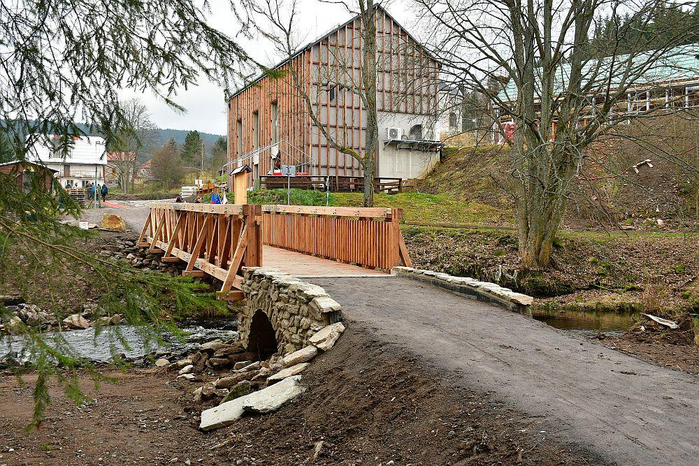 Nowy most z Neratova do Poniatowa